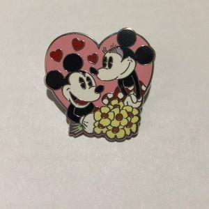 Minnie and Mickey Disney Pin